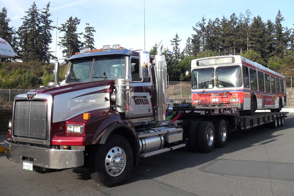 bus tow by Totem Towing